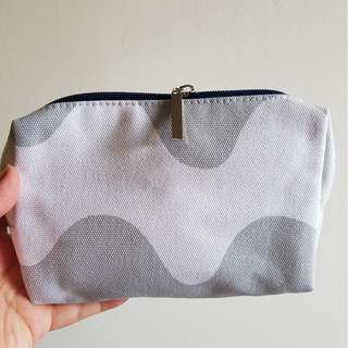 Marimekko Finnair Business Class amenity kit