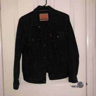 LEVI'S Trucker Jacket - MEDIUM