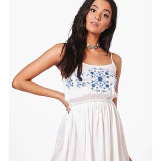 Cute white detailed dress