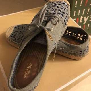 MK 平底鞋