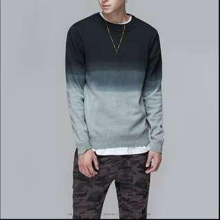 吊染漸變個性潮流毛衣 Dyed gradient personality trend sweater