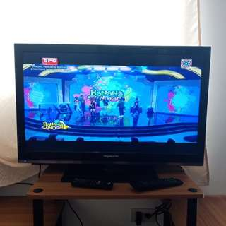 "32"" LED Flatscreen TV"
