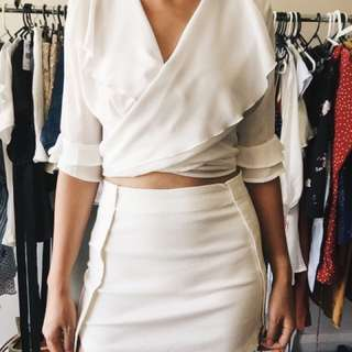 Wrap top in white size 8-12