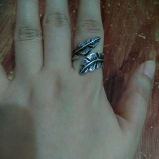 Adjustable antique style ring
