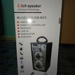 Portable speaker mikrophone with remote control karaoke set