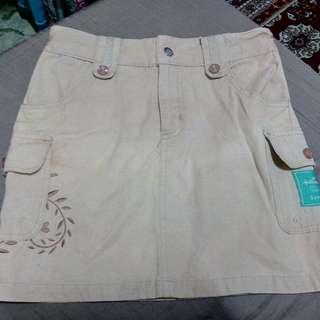 Hallmark Skirt size 8