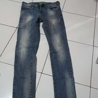 Celana Jeans merk point one