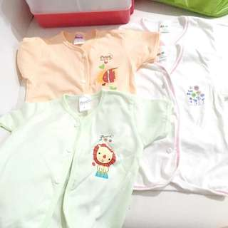 BB shirt. Size L and 8-12mths. Include postage peninsular. condition 9.9.