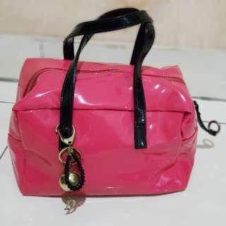 Woman's fashion bag