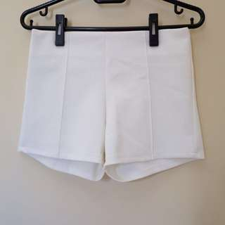NEW White short