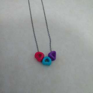 Cool tone 3 hearts necklace