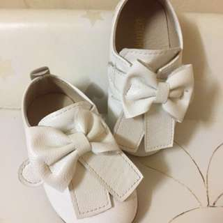 Bow White Shoes