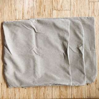 Set of 3 throw pillow case in Taupe