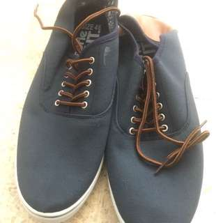 FACTORIE SHOES SIZE 46