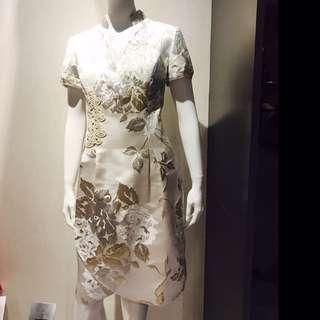🚚 全新 國內設計師林佳樺銀白色緞面洋裝 11 號