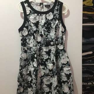 Dress Zalora Black / White