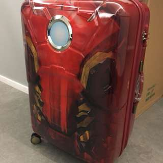 Samsonite x Marvel Iron-man suitcase