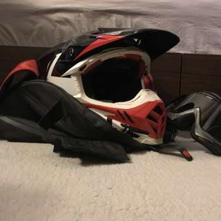 Bell Moto-9 Carbon Flex Syndrome Motocross Helmet - Red