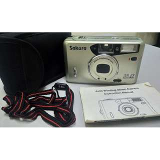 Sakure Auto Winding 35mm Camera