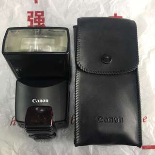Canon 380EX speedlite external flash with pouch