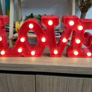 Led LOVE light decor