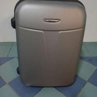 "Eminent 18"" Luggage Bag 4 Sale."