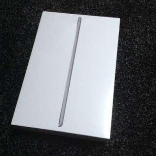 ipad mini 4 - 128GB - Space Gray - WiFi - Brand New Sealed