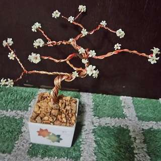 Handmade wire flowering plant