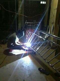 Repairing semua jenis besi..pagar..pintu.gril.dan lain lain