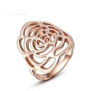玫瑰金鏤空玫瑰花戒指/Rose ring