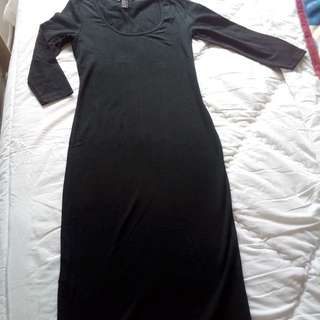Medium Black Dress