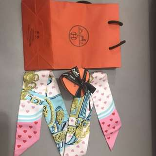 Hermes heart Twilly Limited edition 手袋絲巾