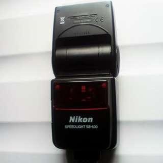 Speedlight SB 600 Nikkon