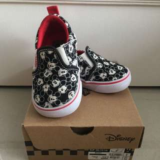 VANS MICKEY MOUSE slip on (worn 2x- like new)