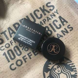 Anastasia Beverly Hill Dipbrow Pomade in Medium Brown