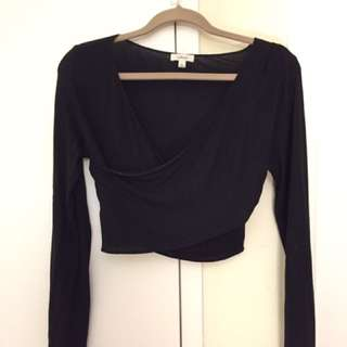 ARITZIA, Wilfred Cross over Crop