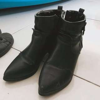 韓製24號黑色皮靴