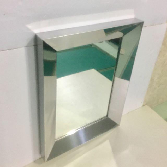 高質感壁鏡/430不銹鋼亮面、內凹框設計