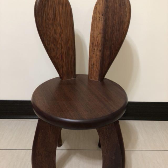 柚木實木造型兔子小板凳-跳跳兔凳