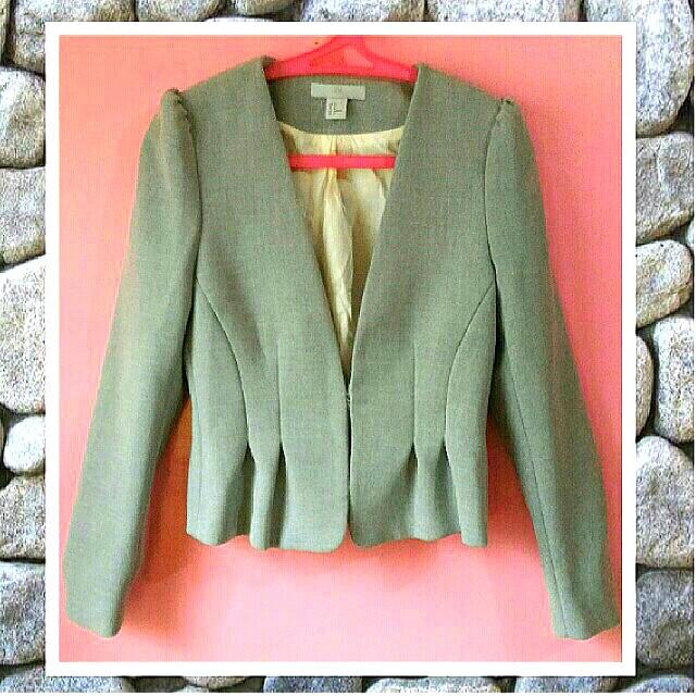 💋 H&M Peplum fitted blazer