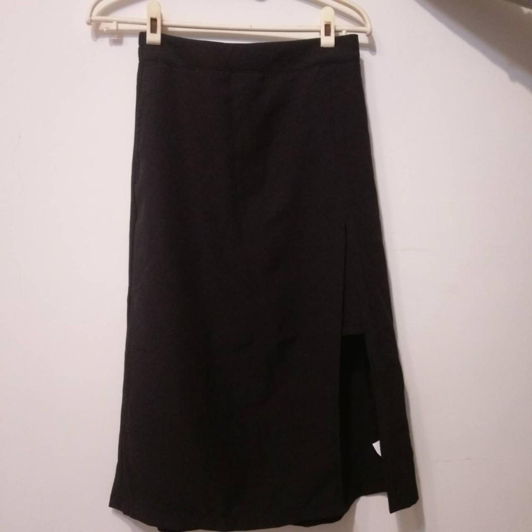 貓咪曬月亮 MOONCAT 黑色開岔膝下裙 長裙 裙子