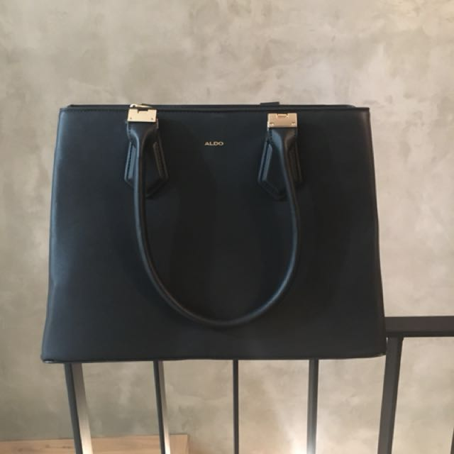 Aldo Purse never used