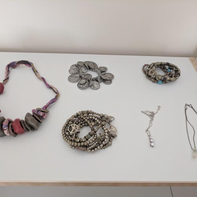 Assorted jewelery