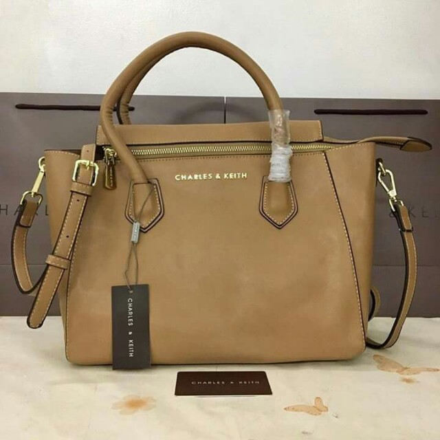 AUTHENTIC CHARLES AND KEITH  BAG💯💯