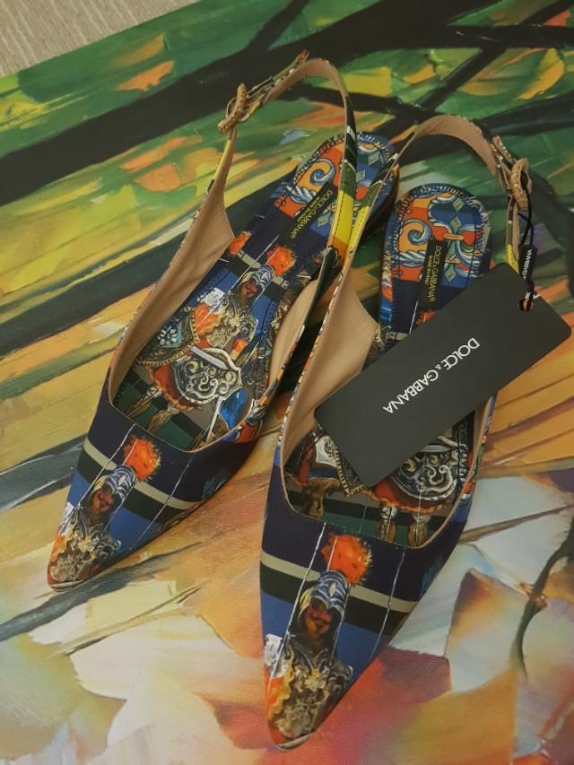 Authentic Dolce Gabbana flats