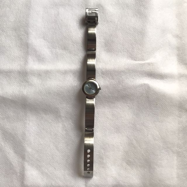 Authentic guess stainless watch push lock