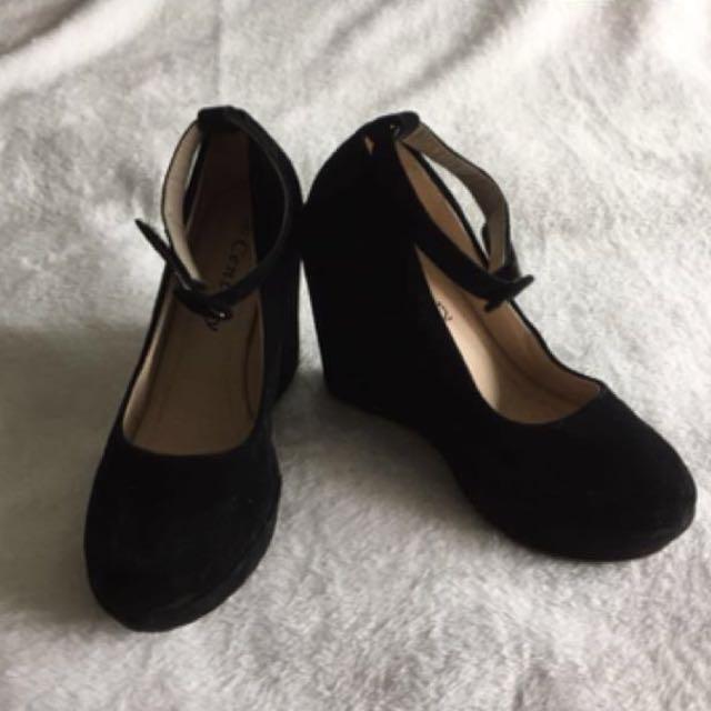 Black Suede Heels / Wedge