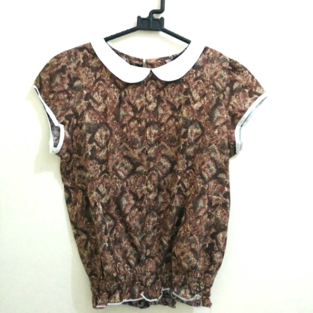 Local Brands Blouse Cokelat Motif (Semi-formal/office look)