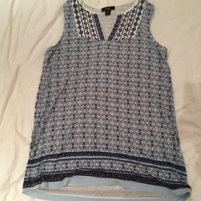 Blue embroidered detailed tank size small