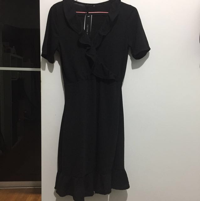 BNWT cotton on: Rhianna Short Sleeve Frill Dress